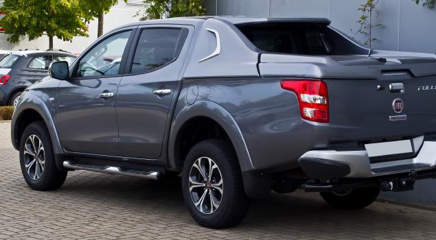 fiat-fullback-grey-pickup-truck
