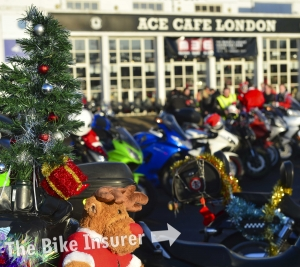 2016 Ace Cafe Toy Run - 0001