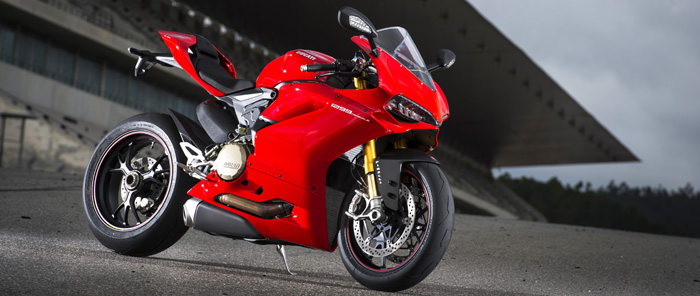 Ducati 1299 Panigale in red on track 700px