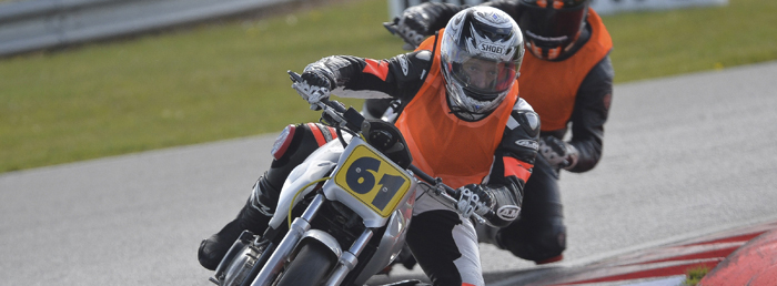 fluorescent bib in uk amateur racing 1