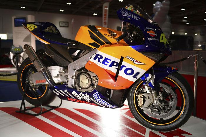 Valentino Rossi's Repsol Honda 2002 World Championship bike