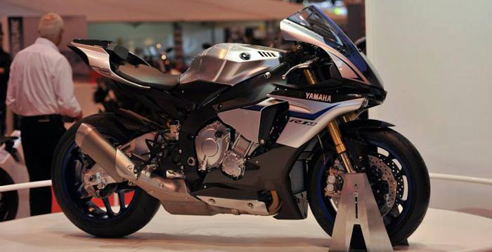 Yamaha yzf-R1m on display 700px