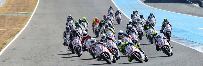 700px wideracers on track at Jerez EJC 2015