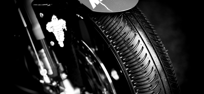 motorcycle-wet-tyres-up-close (700px)