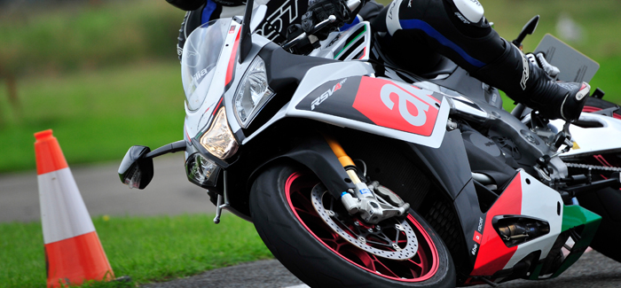 Aprilia RSV4 at Llandow track day - a beginners feedback (header)