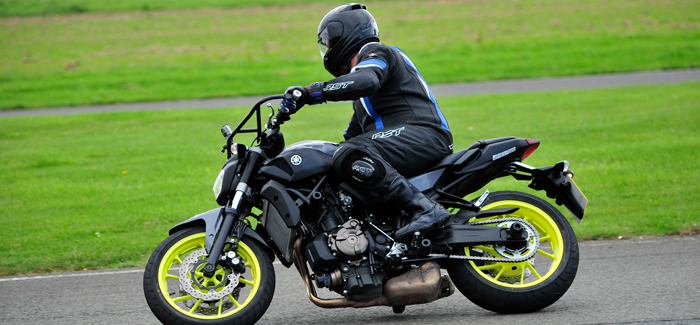 Llandow motorcycle track day - a beginners feedback (header)
