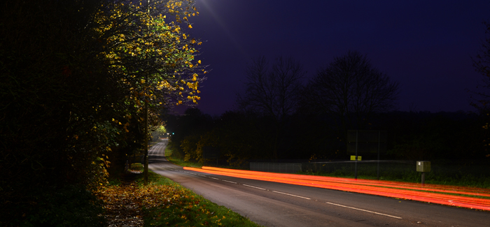autumn-hazards-for-bikers-on-the-road-in-the-uk-at-night-header