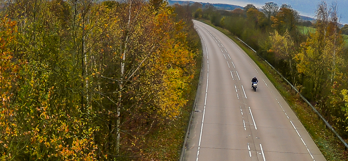 autumn-hazards-for-bikers-on-the-road-in-the-uk-header