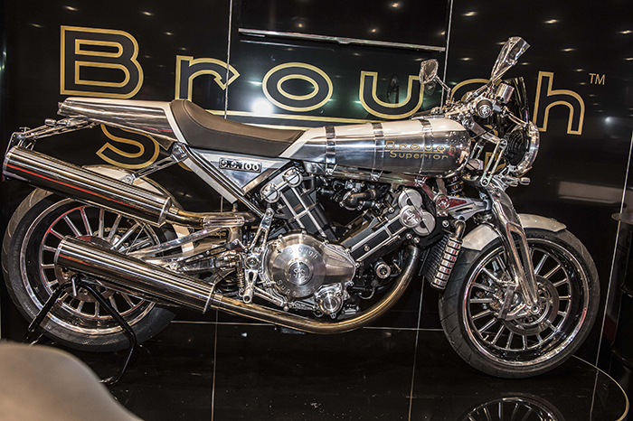 brough-superior-ss100-on-display-in-chrome-at-the-mcn-london-bike-show-2017-700px