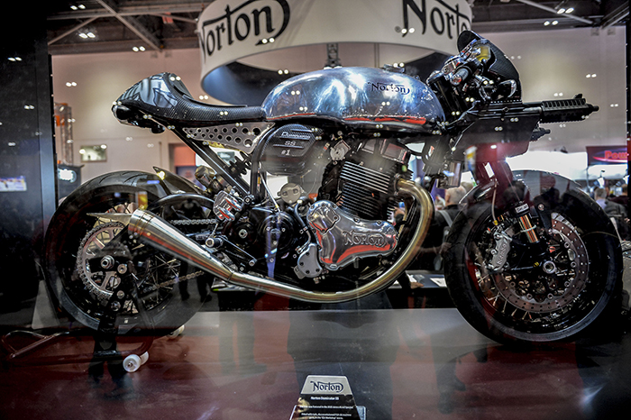 norton-dominator-ss-from-james-bond-spectre-on-display-at-mcn-london-bike-show-2017-700px