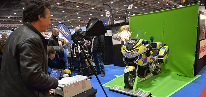 police-bike-green-screen-experience-at-mcn-london-bike-show-2017-700px