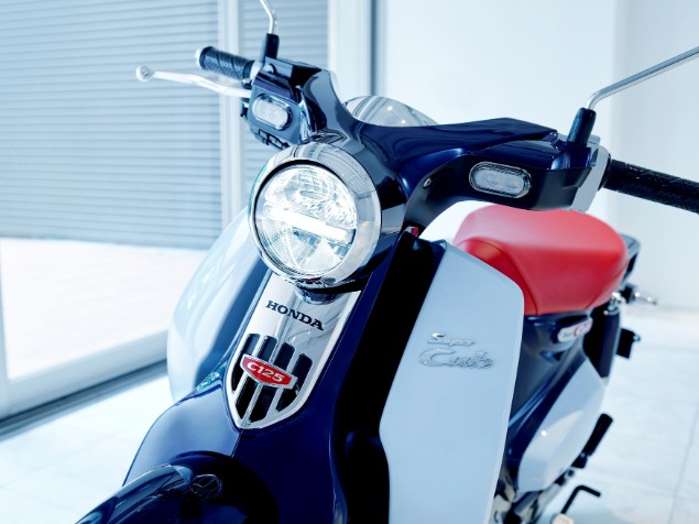 new-honda-cub-125-front-on