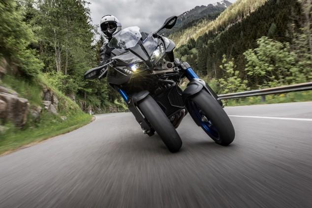 yamaha-niken-motorbike-bend