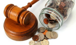 gavel_and_coins_in_jar