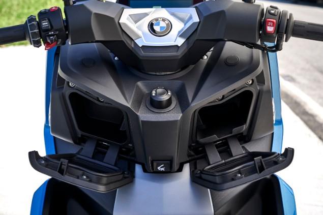 front-of-bmw-c400x-2018-motorbike