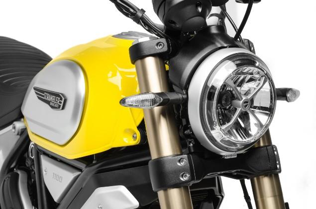 front-headlamp-of-scrambler-1100