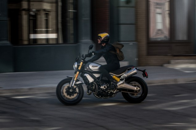 mad-riding-scrambler-1100-motorbike-at-night