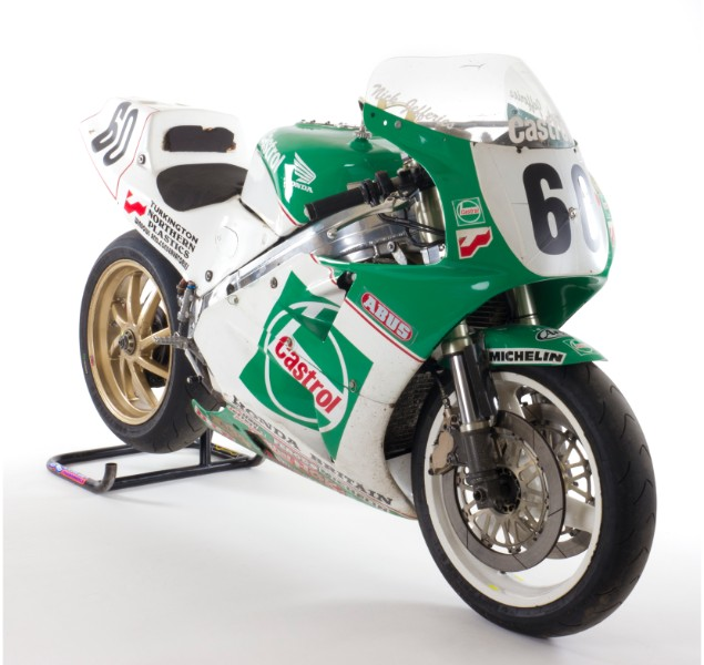 Close-up-shot-of-green-and-white-rc30-635-racebike