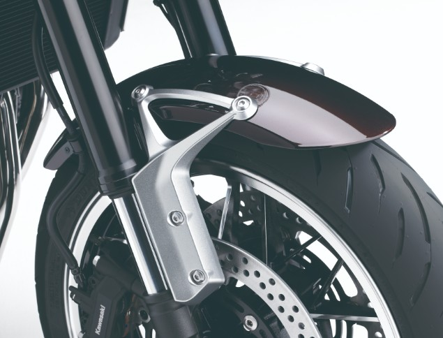 z900rs-motorbike-fly-wheel-close-up-shot