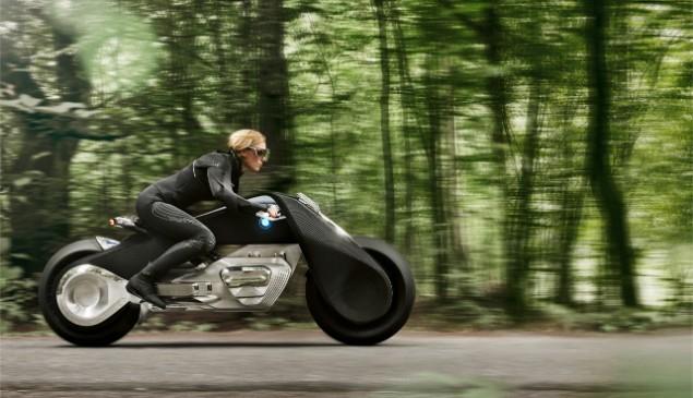 bmw-motorrad-riding-in-forrest