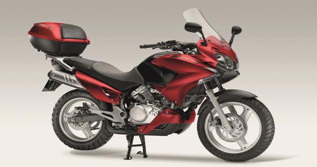 varadero-125-motorbike-stationary