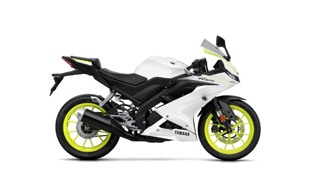white-yellow-yamaha-r125-bike-motorbike-black-2019
