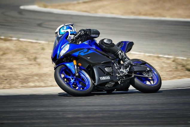 Blue-2019-Yamaha-YZF-R3-motorcycle-turning-corner