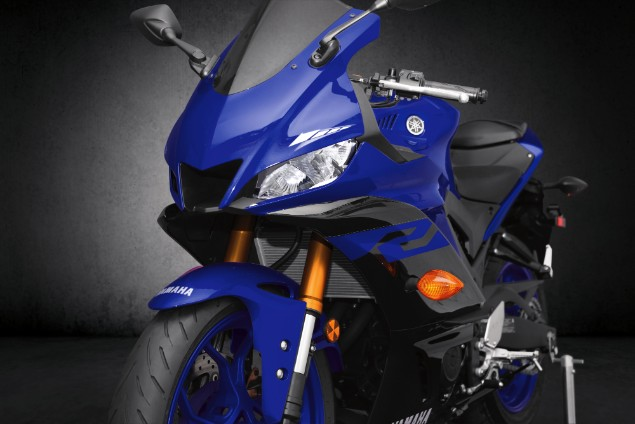 Blue-2019-Yamaha-YZF-R3-front-stationary