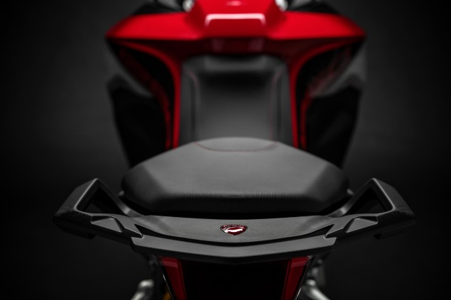 Red-Ducati-Multistrada-Enduro-seat-close-up