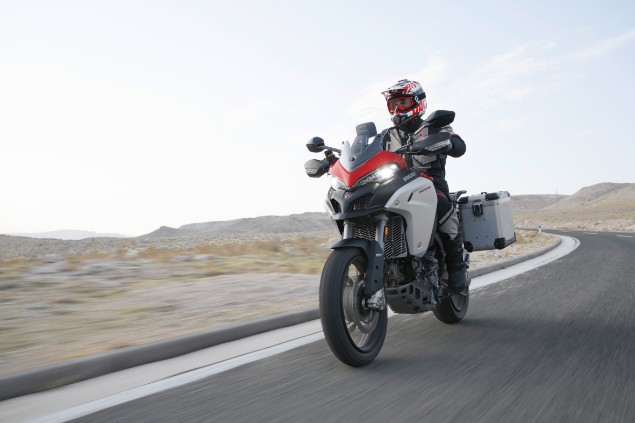 red-and-white-multistrada-1260-enduro-in-action