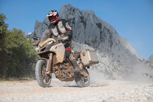 Ducati-multistrida-1260-enduro-in-action