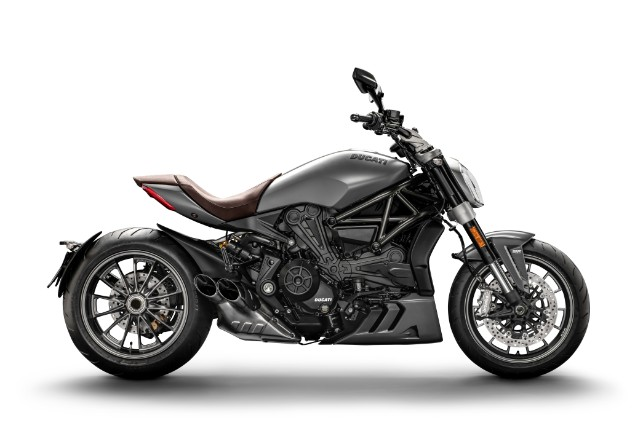 Matt-liquid-concrete-grey-2019-Ducati-XDiavel