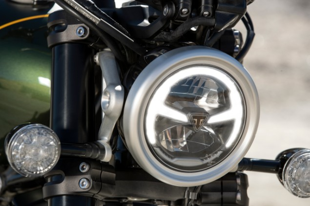 Scramberler-1200-xc-motorbike-LED-headlamp-closeup