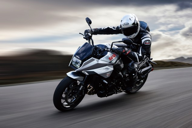 Motorbiker-riding-Suzuki-Katana-in-action
