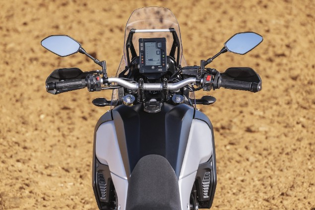 yamaha tenere 700 handlebars and LCD display