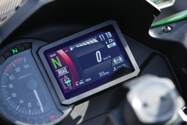 Kawasaki Versys 1000 LCD speedometer
