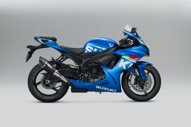Blue Suzuki GSX R600 motorcycle stationary