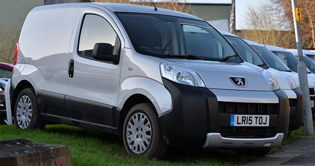 silver-van-static