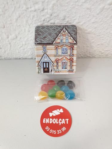 Detall dolç caixeta en forma de casa