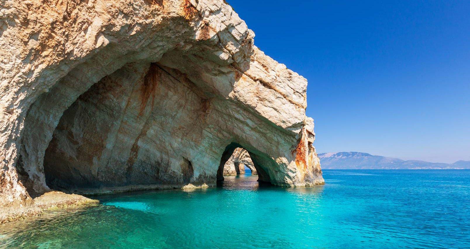 Οι Γαλάζιες Σπηλιές στη Ζάκυνθο