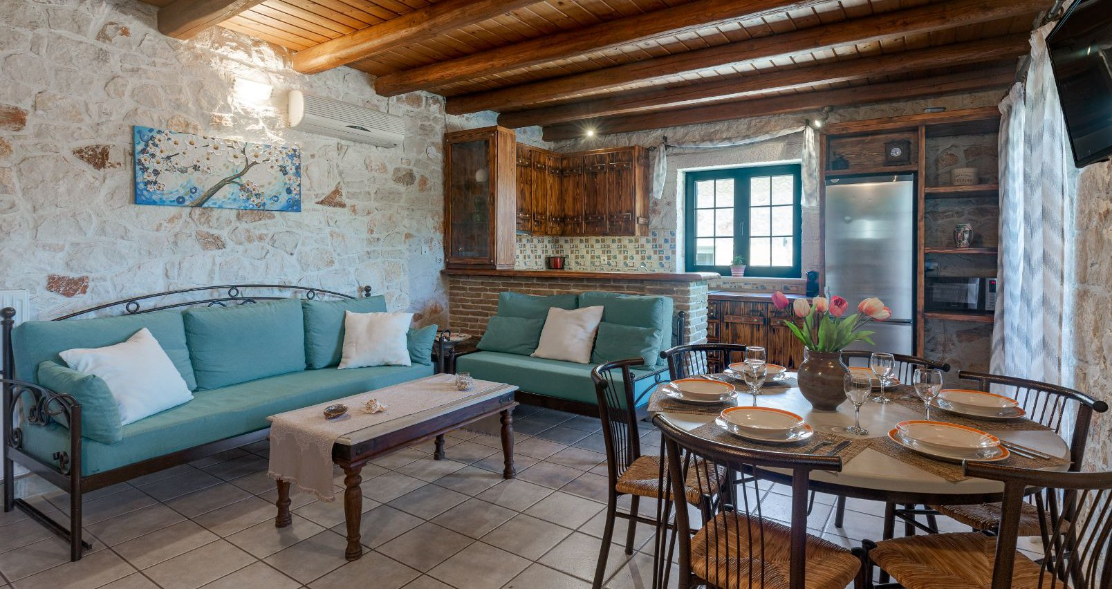 Το Σαλόνι & η κουζίνα της Deluxe Βίλας
