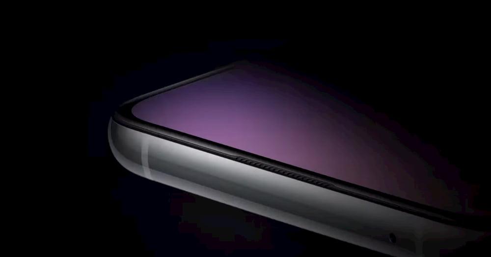 OnePlus 8T 屏幕采非曲面设计?