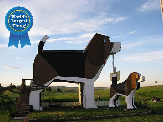The World's Largest Beagle — Cottonwood, Idaho