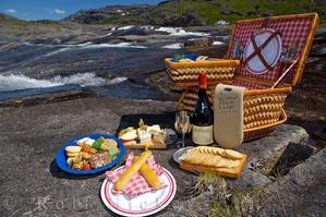 Before taking off to take in the sights of the Big Sur we will have a picnic lunch packed and prepared by a local favorite, Compagno's Market and Deli