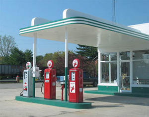 We need gas! From our home away from home in Monterey, we will drive along the famous Highway 1 to explore the beautiful Big Sur area.