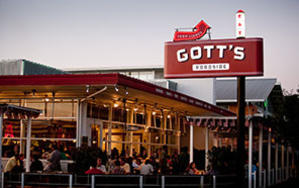 Who doesn't love a gourmet burger!? Who can pass up an opportunity to eat a burger and fries the award winning Gott's Roadside? We can't, especially with their use of seasonal and local ingredients!