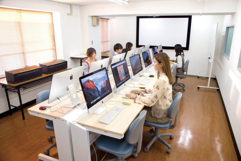 300教室(コンピュータ実習室)