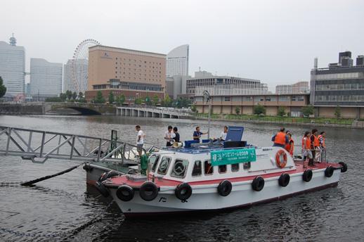 日本郵船海岸通倉庫~赤レンガ倉庫間をつなぐシャトルボート 30分おきに運行している