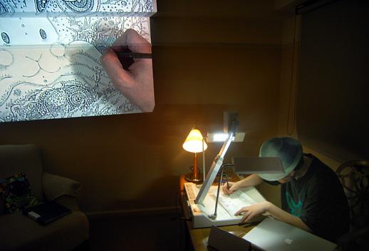 宇川直宏がリアルタイムで描画、制作風景を撮影したDVDとセットになって販売されるそうです。
