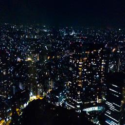 アートのあるところ。Case.02 光の街、新宿